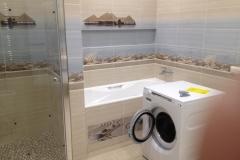 Ванная с установленной стиральной машиной